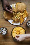 ダイエット中のドカ食いを防ぐ方法とは?